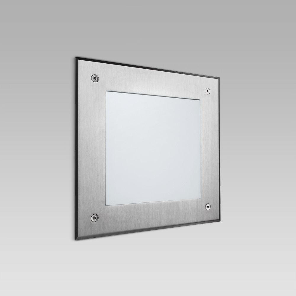 Wall recessed luminaire for outdoor lighting, with a squared design and an ultra-wide light beam