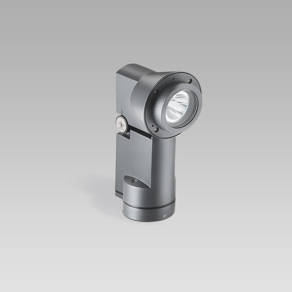 Floodlight for outdoor lighting, resistant, highly versatile and compact. Perfect for facade lighting too.
